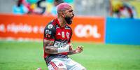 Gabigol enfrenta o Inter no domingo