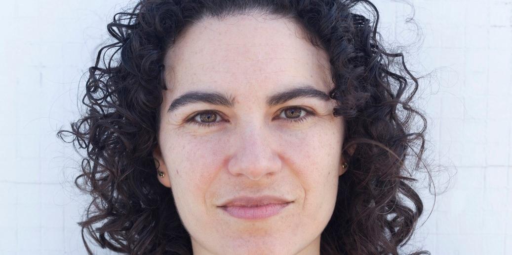 """Marília Garcia, poeta e tradutora, autora de livros como """"20 poemas para o seu walkman""""e """"Câmera lenta"""" participa de encontro virtual nesta sexta-feira"""
