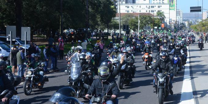 Motociata em Porto Alegre indica embates nas ruas em 2022