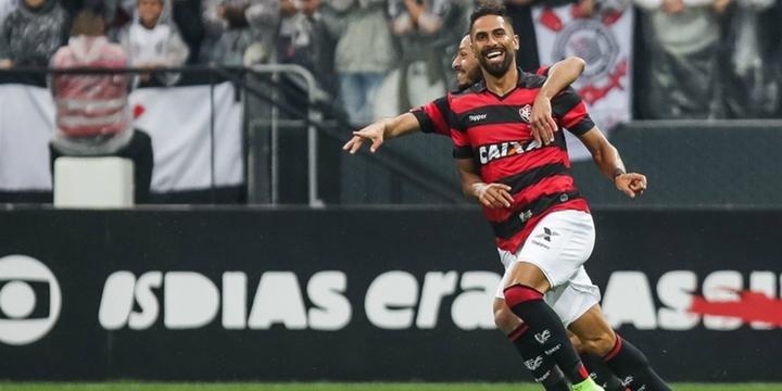 62ba03e616799 Corinthians perde a invencibilidade para o Vitória