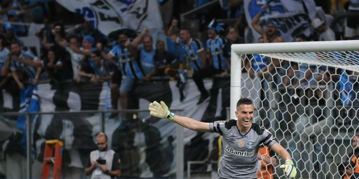 Marcelo Grohe defendeu o pênalti que definiu o título do Grêmio 46014780df942