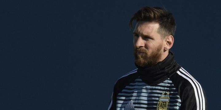 Messi se apresenta à seleção Argentina fd73ee02416e4