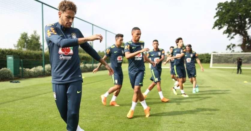 Numeração oficial do Brasil para Copa tem Geromel com camisa 4 631d61c746939