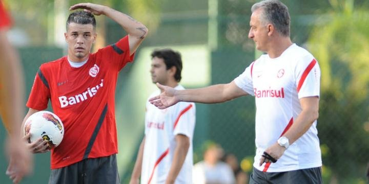 356db2dad6 Chance de D Ale jogar contra Fluminense é pequena